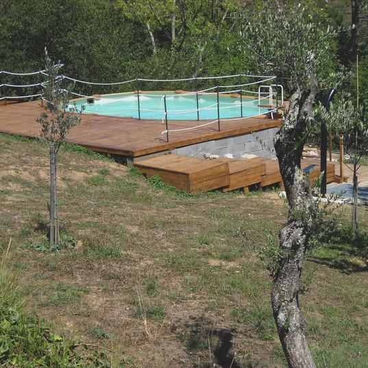 piscina agriturismo.jpg