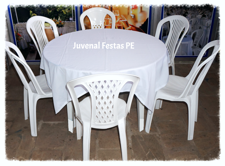 1 mesa redonda c/ 6 lugares