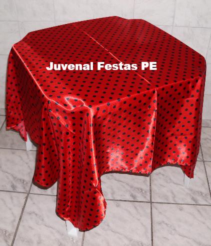 Toalha vermelha/bolinha preta