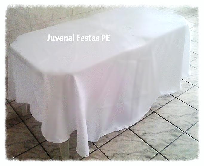 2 mesas c/ toalha redonda