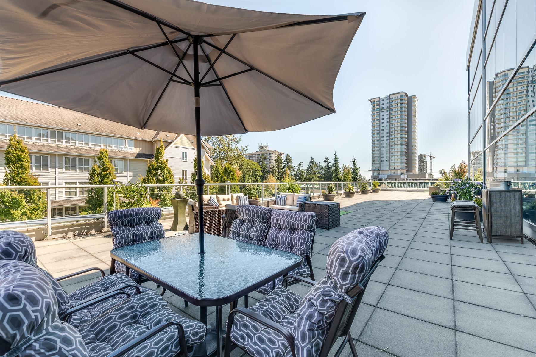 The Terrace / Outdoor Patio