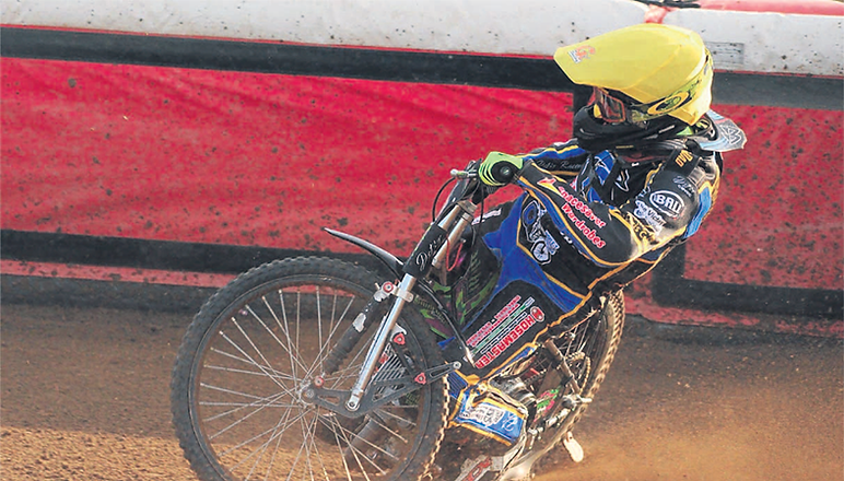 Gladiators let early lead slip to suffer loss at Kent Kings