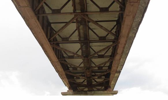 Существующий мост на р. Быстрица 2.png