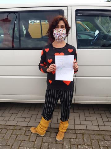 Einkaufsperformance mit Einkaufsliste, hier in Deutschland schon mit Maske.
