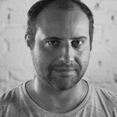 BRUNO PORTOLESI, diretor de foto. Estudou publicidade na FAAP. Fotografou curtas, longas, além de campanhas (DM9DDB).