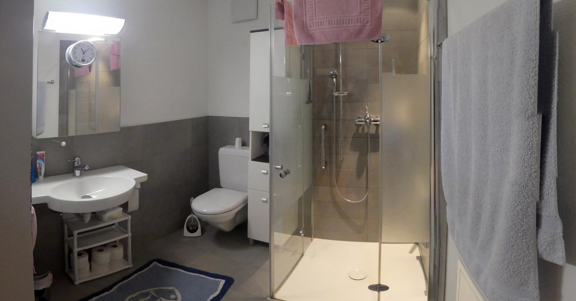 Badezimmer Dusche/WC