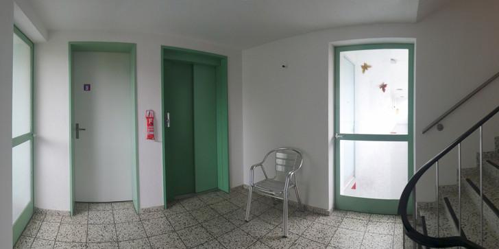 Treppenhaus1.jpg