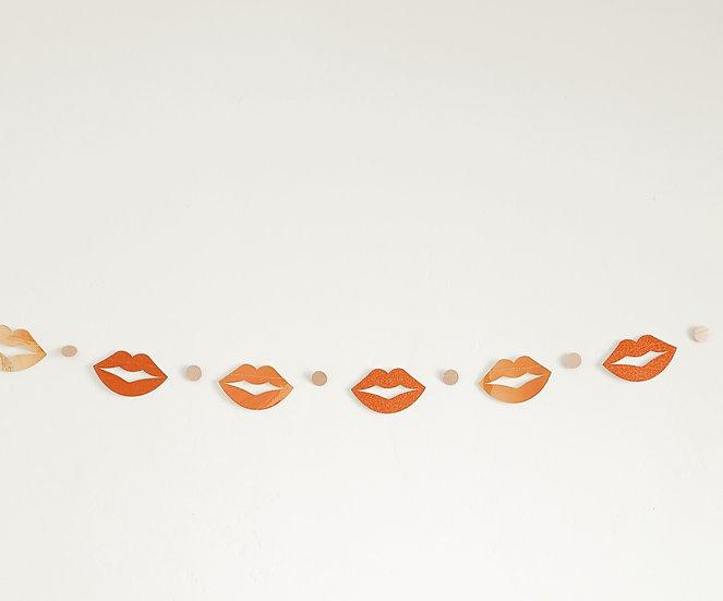 modern kisses garland.