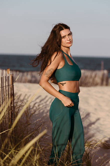 Laguna Lane | sustainable activewear and athleaisure wear for women | eco-friendly athflow for women