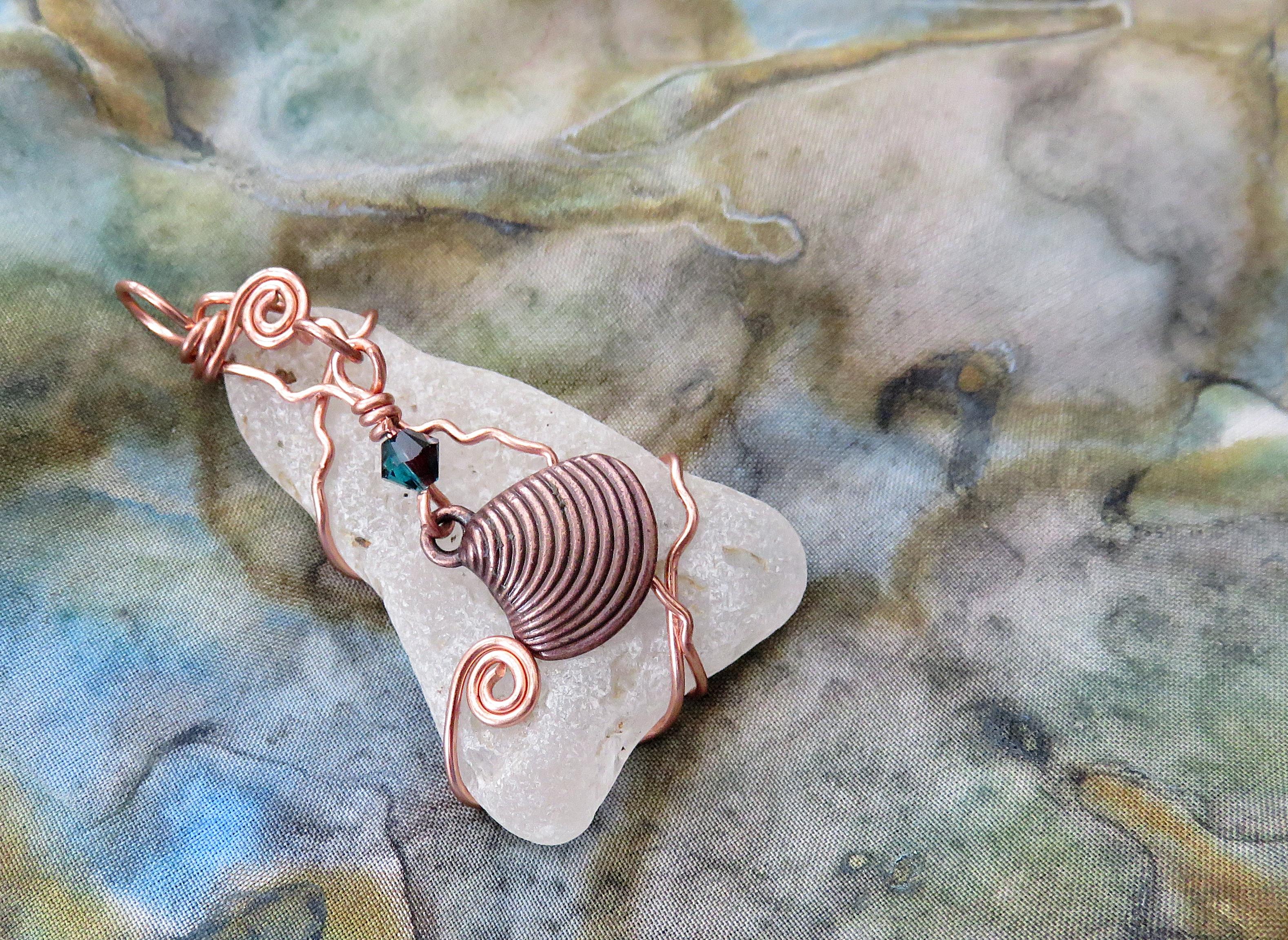 Shell on the beach pendant