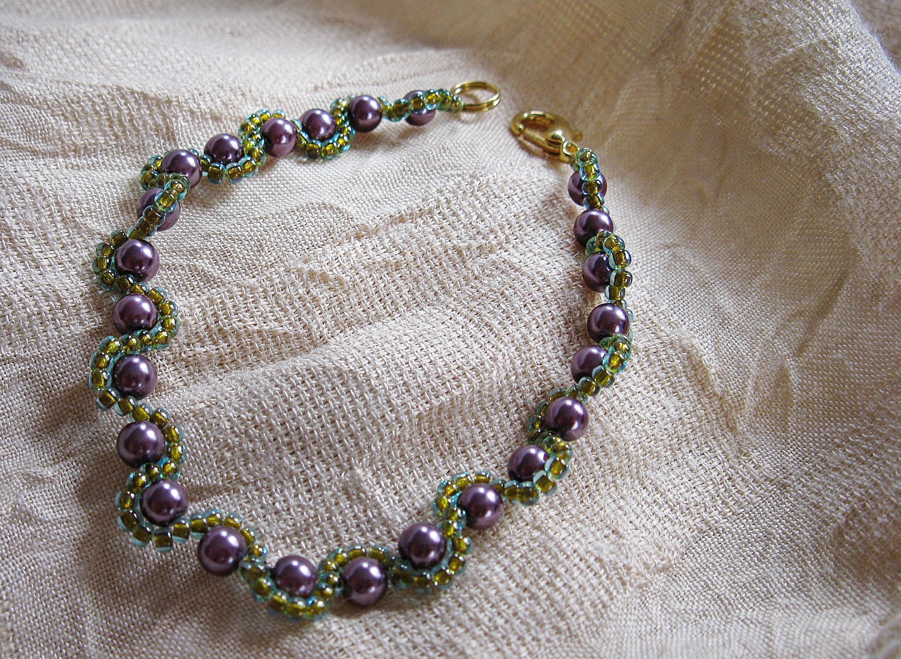 Spring violets pearl bracelet