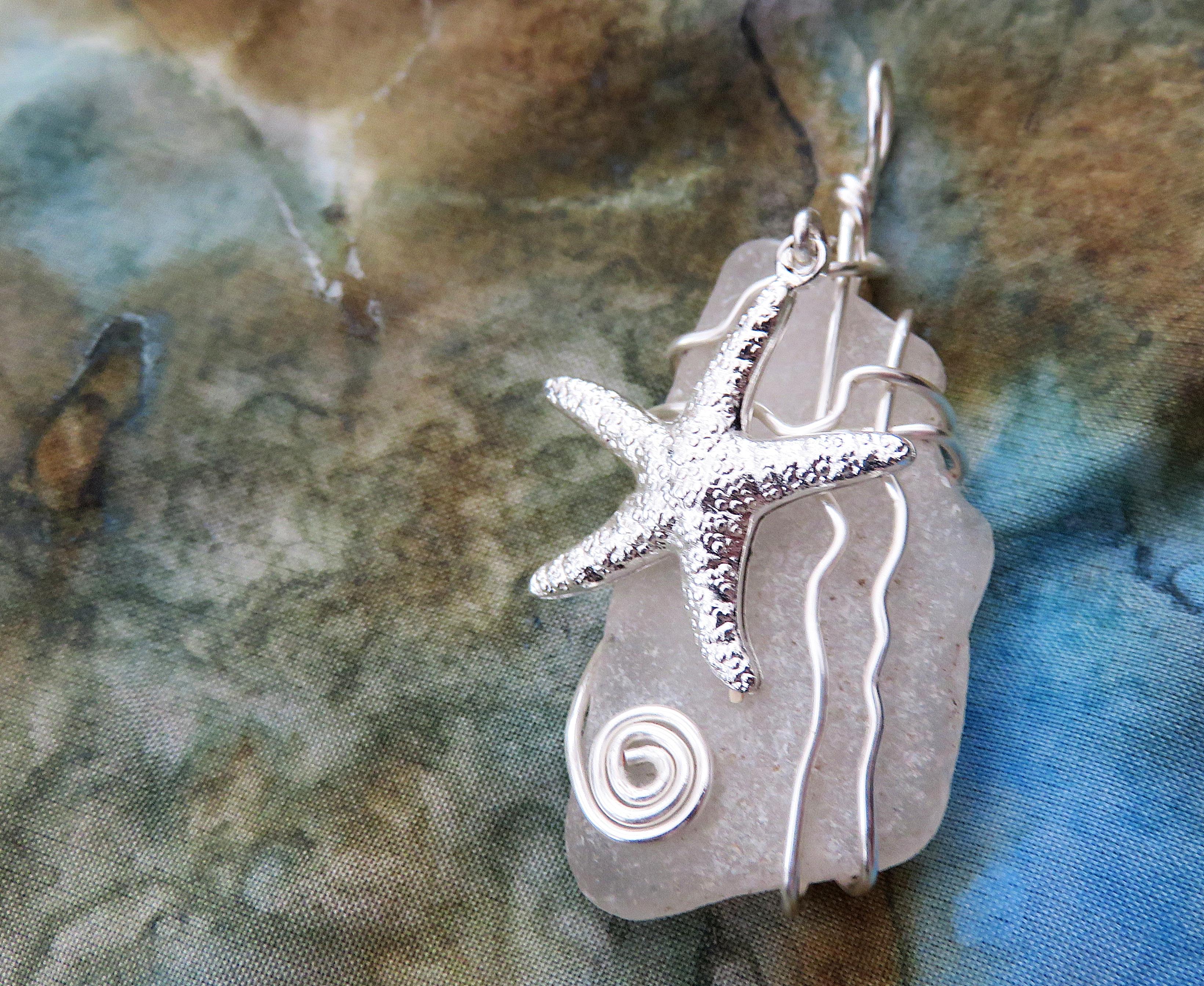 Starfish on the shore pendant