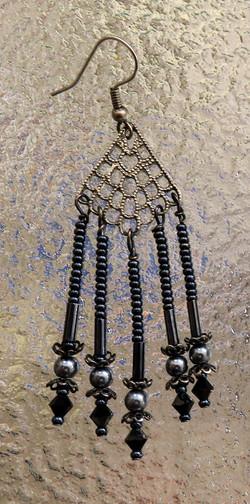 Midnight elegance chandelier earring