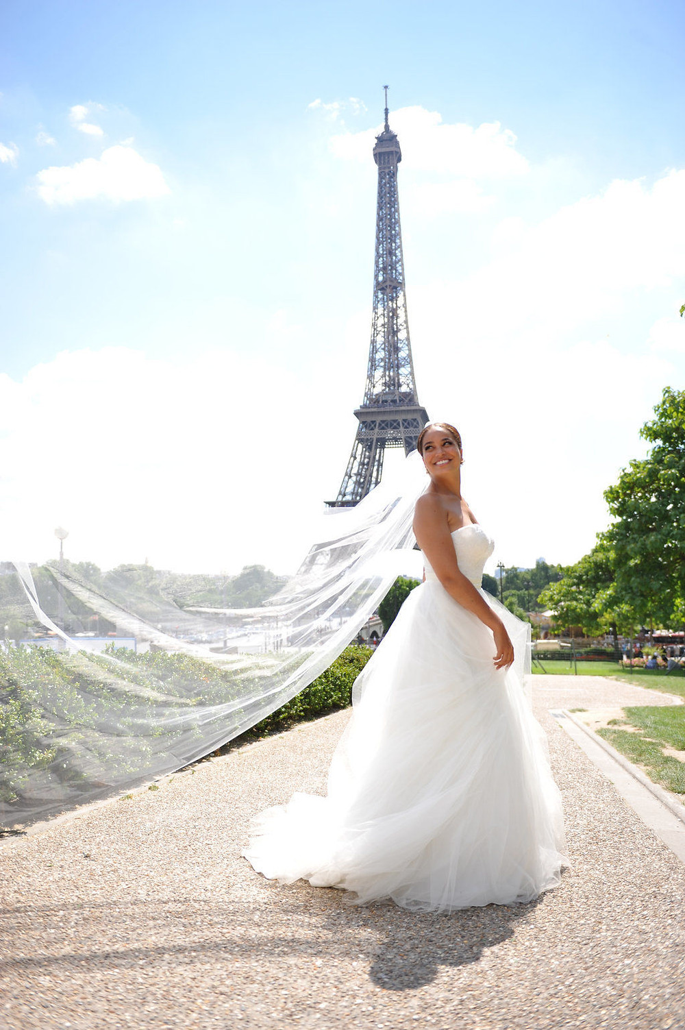 Can I get married at the eiffel tower