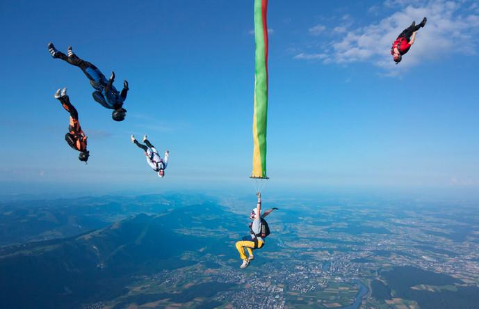 skydivegrenchen_bg07.jpg