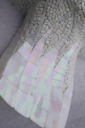 bébé phoque, détail de la patte, sculpture mosaique de verre