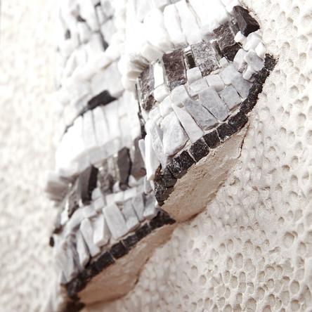 Tessuto, détail mosaique de marbre et miroir