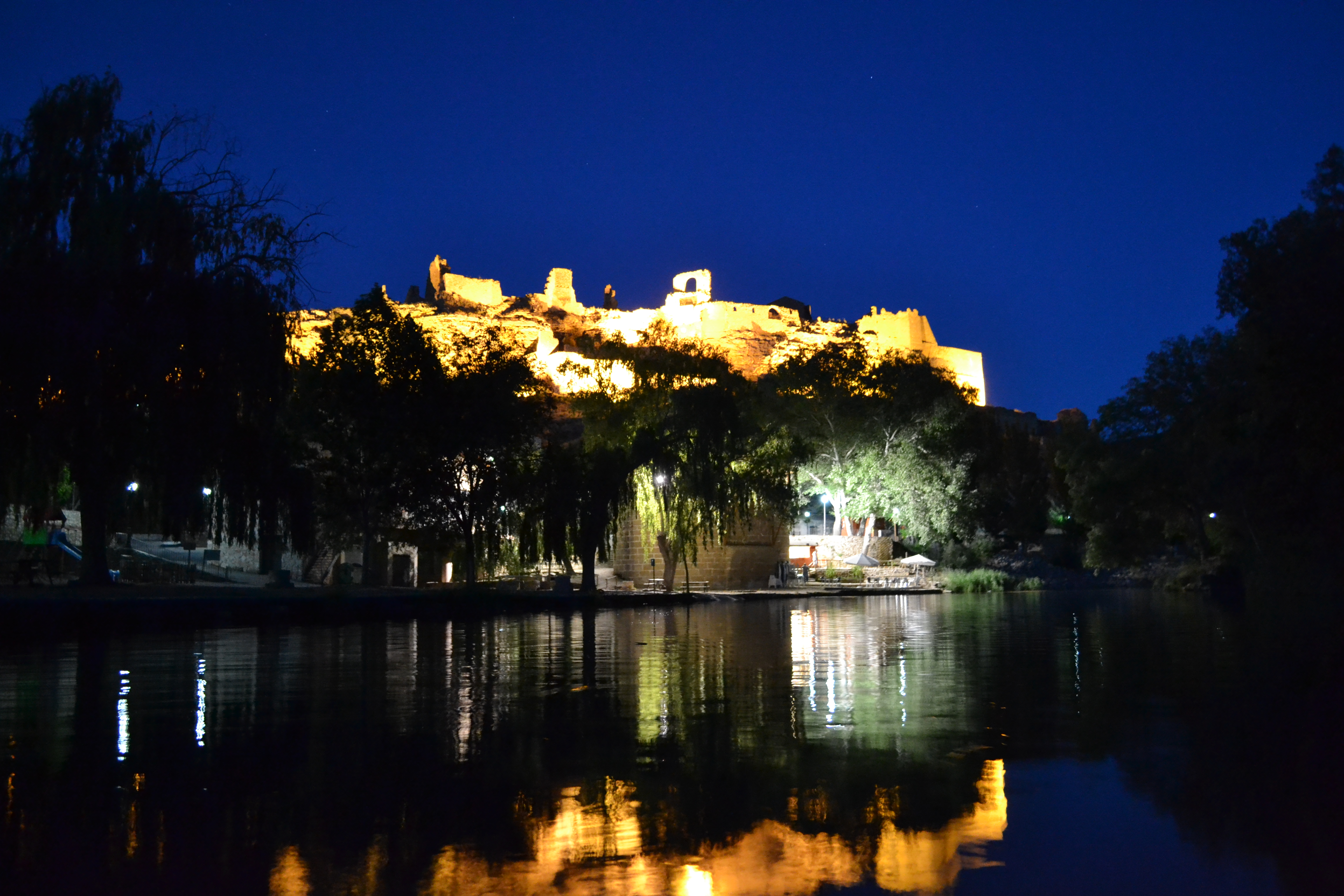 Reflejo del Castillo de noche
