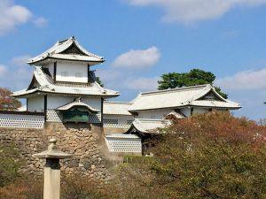 Castle outside Kenrokuen Garden