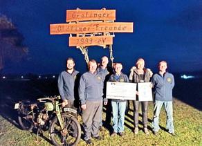 Die Grafinger Oldtimer Freunde spenden 550 € an die Kinderkrebshilfe Ebersberg e.V.