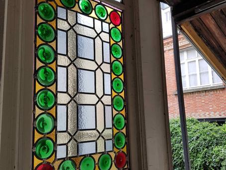 Restauration d'un magnifique vitrail à cives terminée !