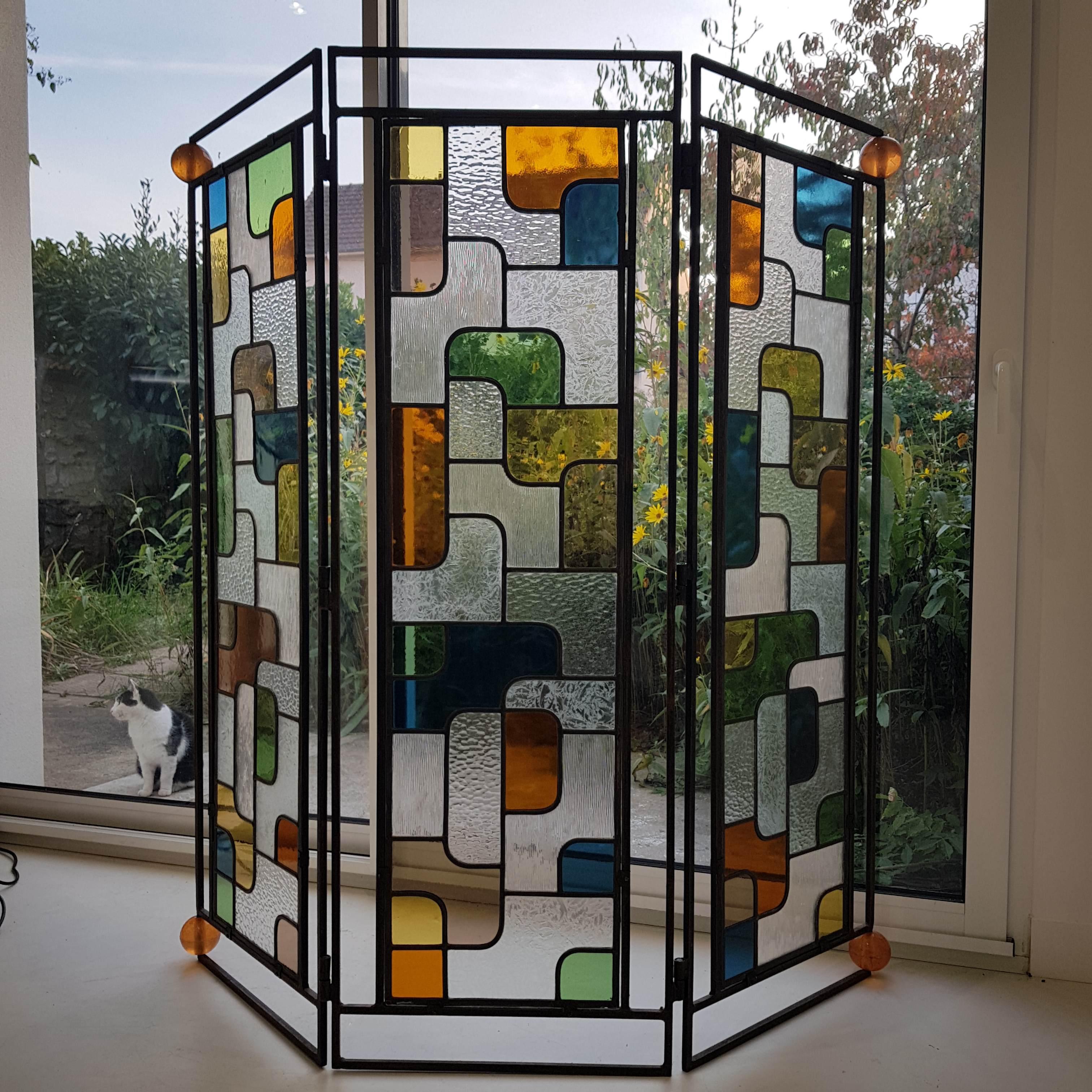 Paravent vitrail en transparence