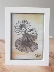 Tableau vitrail lotus en grisaille