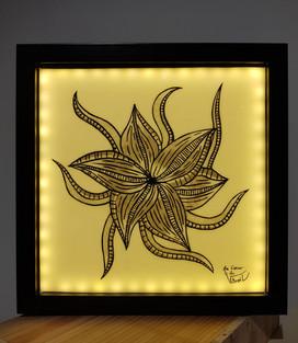 Tableau vitrail fleur veneneuse