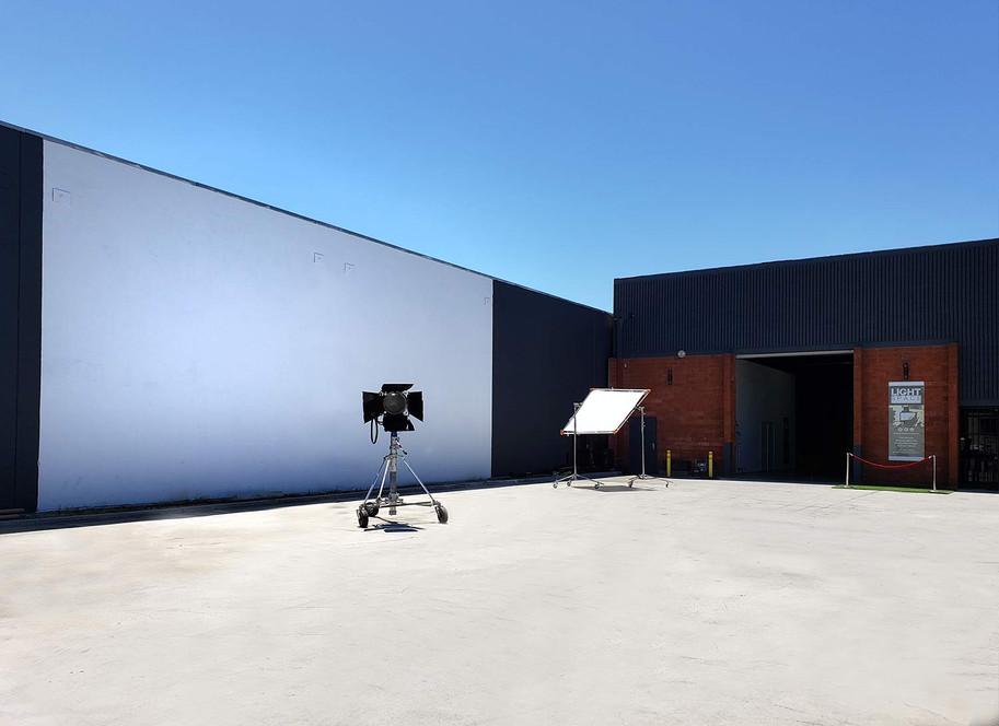front-log-exterior-stage-la2.jpg