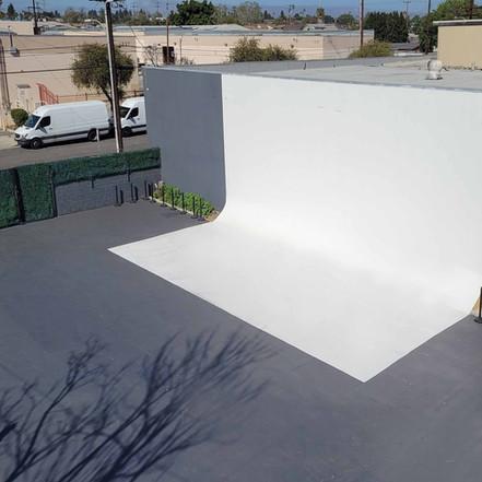 outdoor-cyclorama-white-cyc-exterior-out