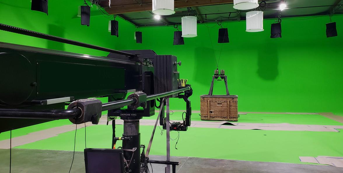 green-screen-cove-lightspace-balloon.jpg