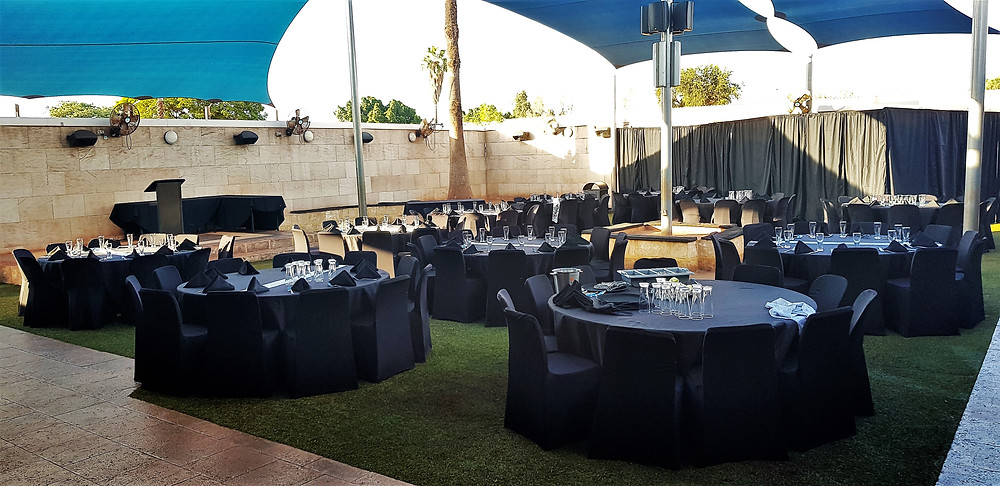 The garden bar can be hired for meetings / events