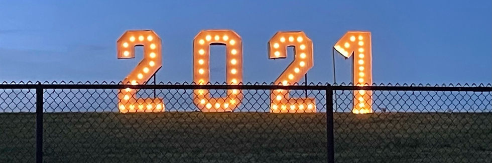 2021 sign honoring seniors