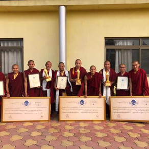 Nuns and Monks in Bodhgaya