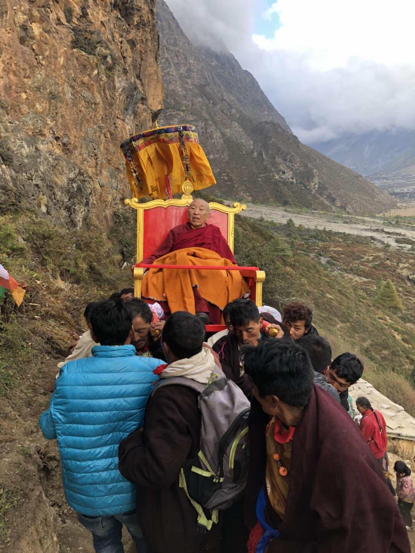 Thrangu Rinpoche Visits Tsum Valley