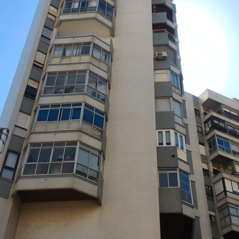 Edifício em Algés - Envernizamento de fachadas