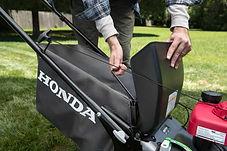 large easy off grass bag, Honda mower, walk behind mower, residential mower, Honda Warranty