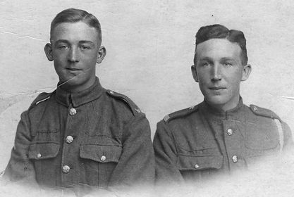 Vincent (l) and Thomas (r) Livesey 2.jpg