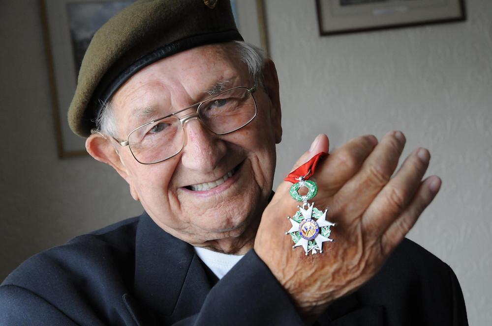 Thomas Livesey 4KOYLI - 'Chevalier Ordre national de la Légion d'honneur'
