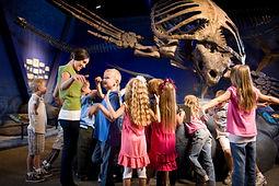 enfants dans les musées