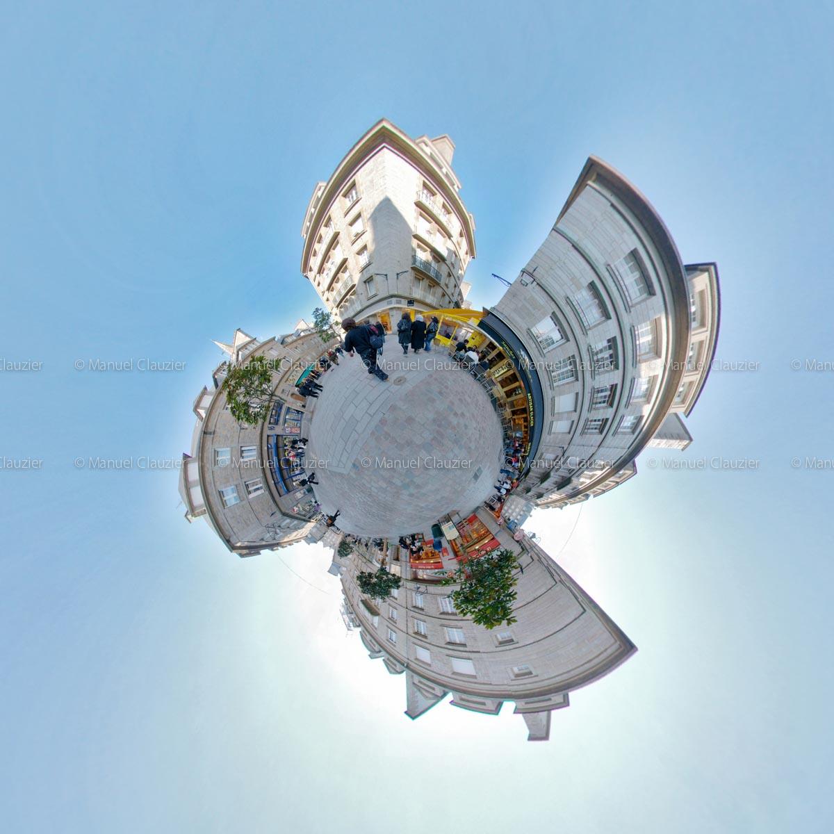 Place du Pilori hélicoïdal. St-Malo