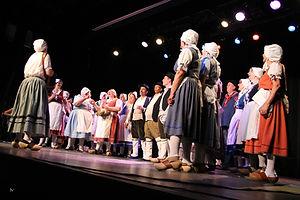 chant traditionnel boire chanson vigne vin groupe théâtre fontaine d'ouche jours fête