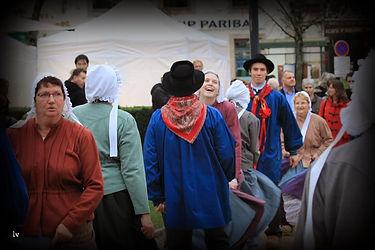 danse traditionnelle bourgogne morvan bourrée 3 temps sabots costume traditionel