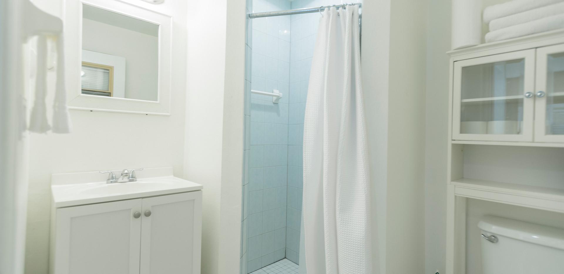 Private Apartment Bath