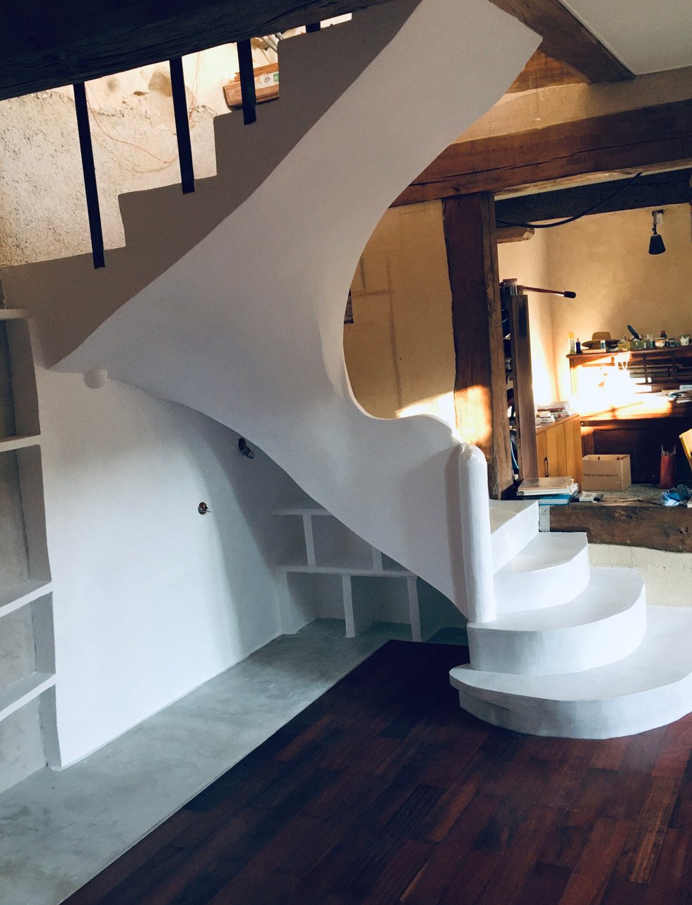 escalier sur voute sarrasine finition béton ciré