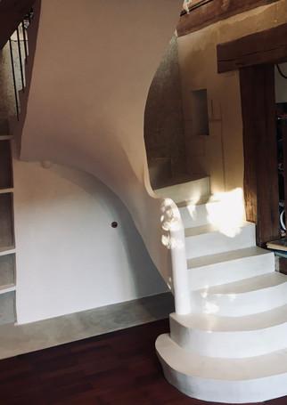 escalier sur voute sarrasine finition beton ciré