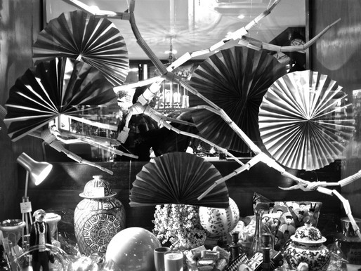 The Holiday Season in Valletta, and some shop windows!