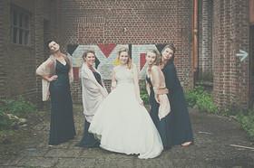 Bruidsmeisjes en huwelijksfotograaf