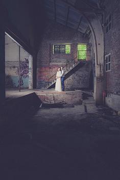 Huwelijksfotograaf in oud pand