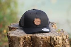 casquette noire plok